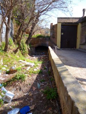 El Canal a l'actualitat i el pont de Conflent a tocar de la Rambla Solanes,l'únic pont que es conserva en el seu estat original, al límit del terme de l'Hospitalet